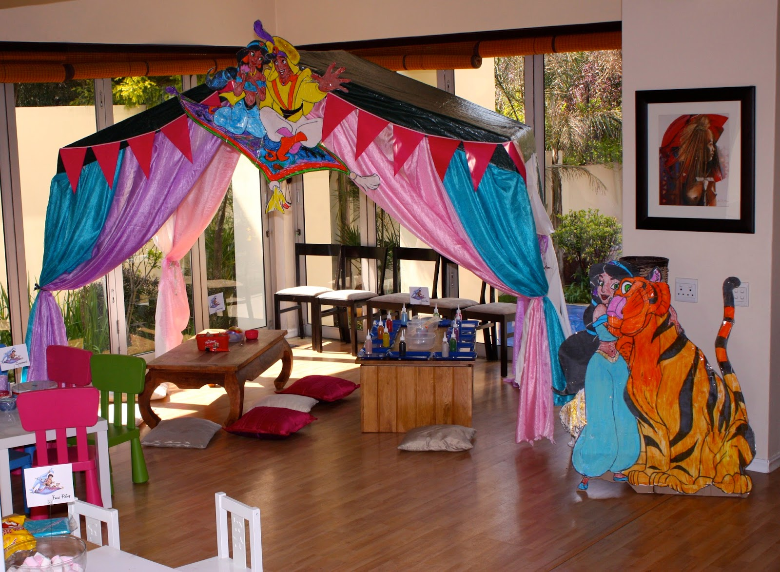 Mangostix princess jasmine and aladdin party for Aladdin decoration ideas