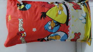 Sarung Bantal Cinta Angry Bird