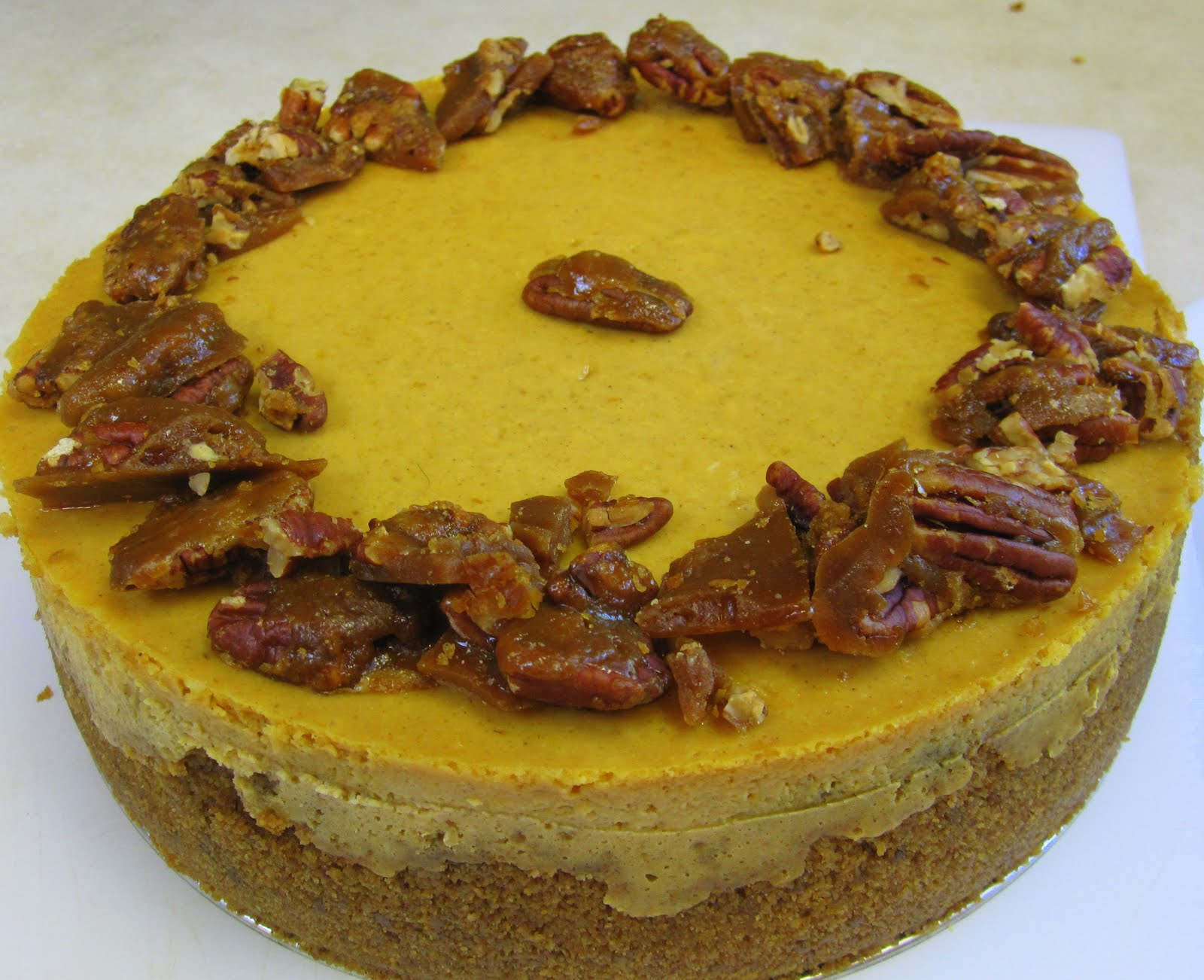 Daily*Dishin: Pumpkin Praline Cheesecake