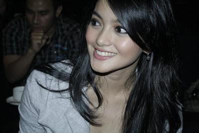 Ririn Ekawati with Kebaya