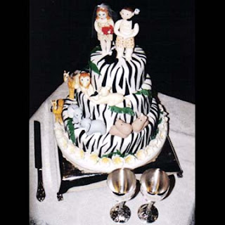 wedding cake jungle theme, safari theme budget wedding