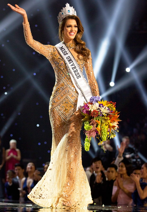 Miss USA Crowned Miss Universe images