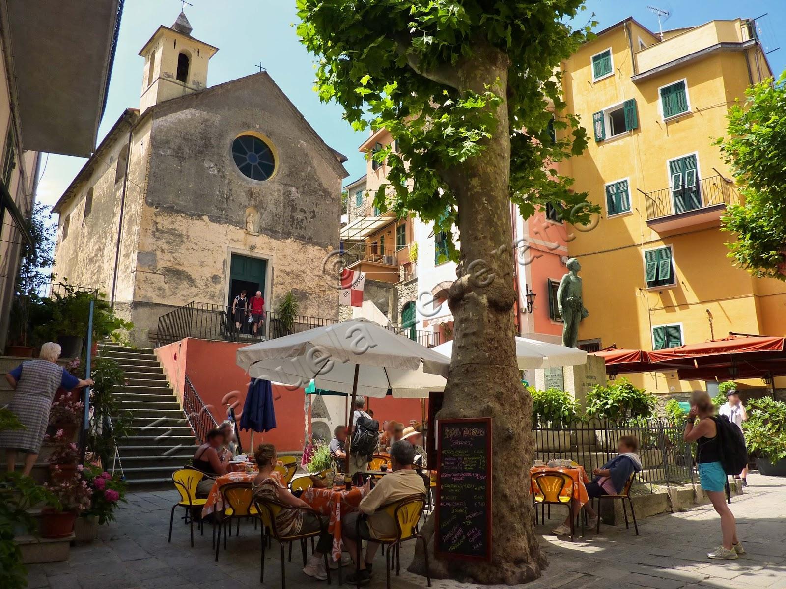 Corniglia e le sue verdi terrazze | Viaggiolibera