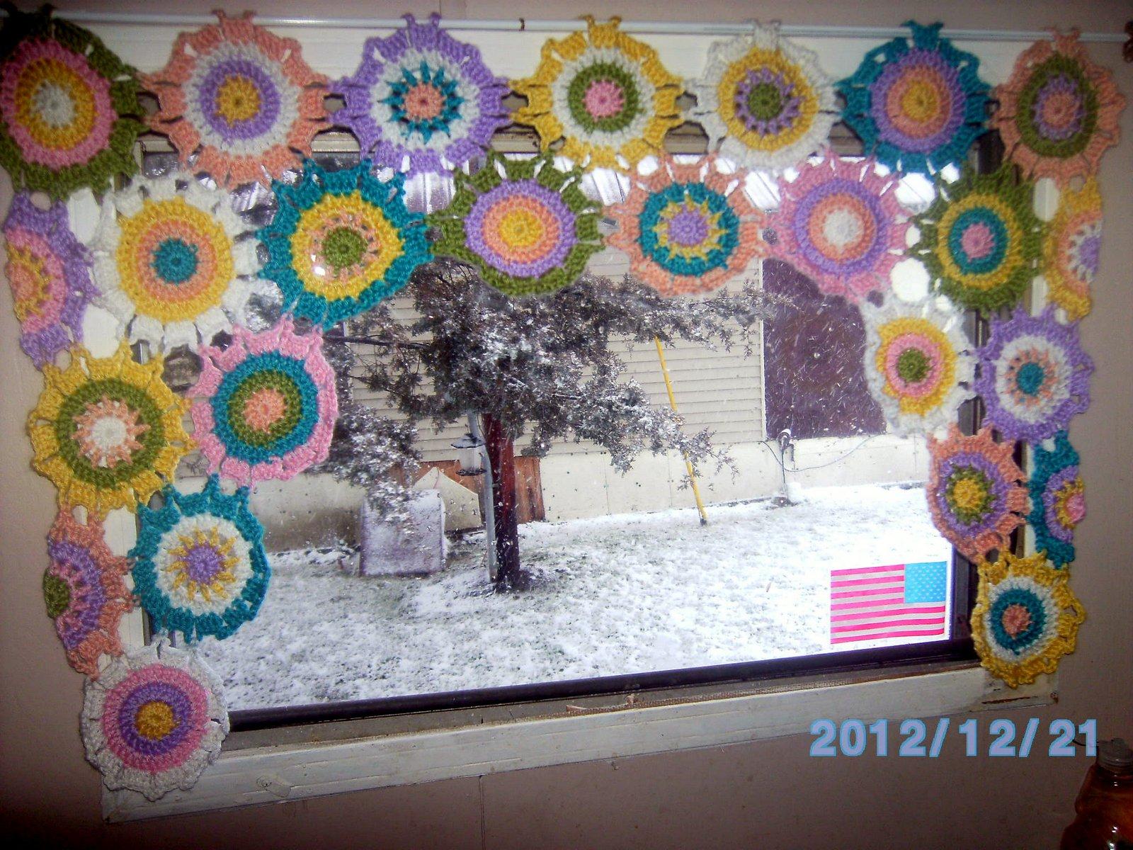 Crochet Flower Pattern Valance : Now Im Crocheting This: Crochet flower curtain