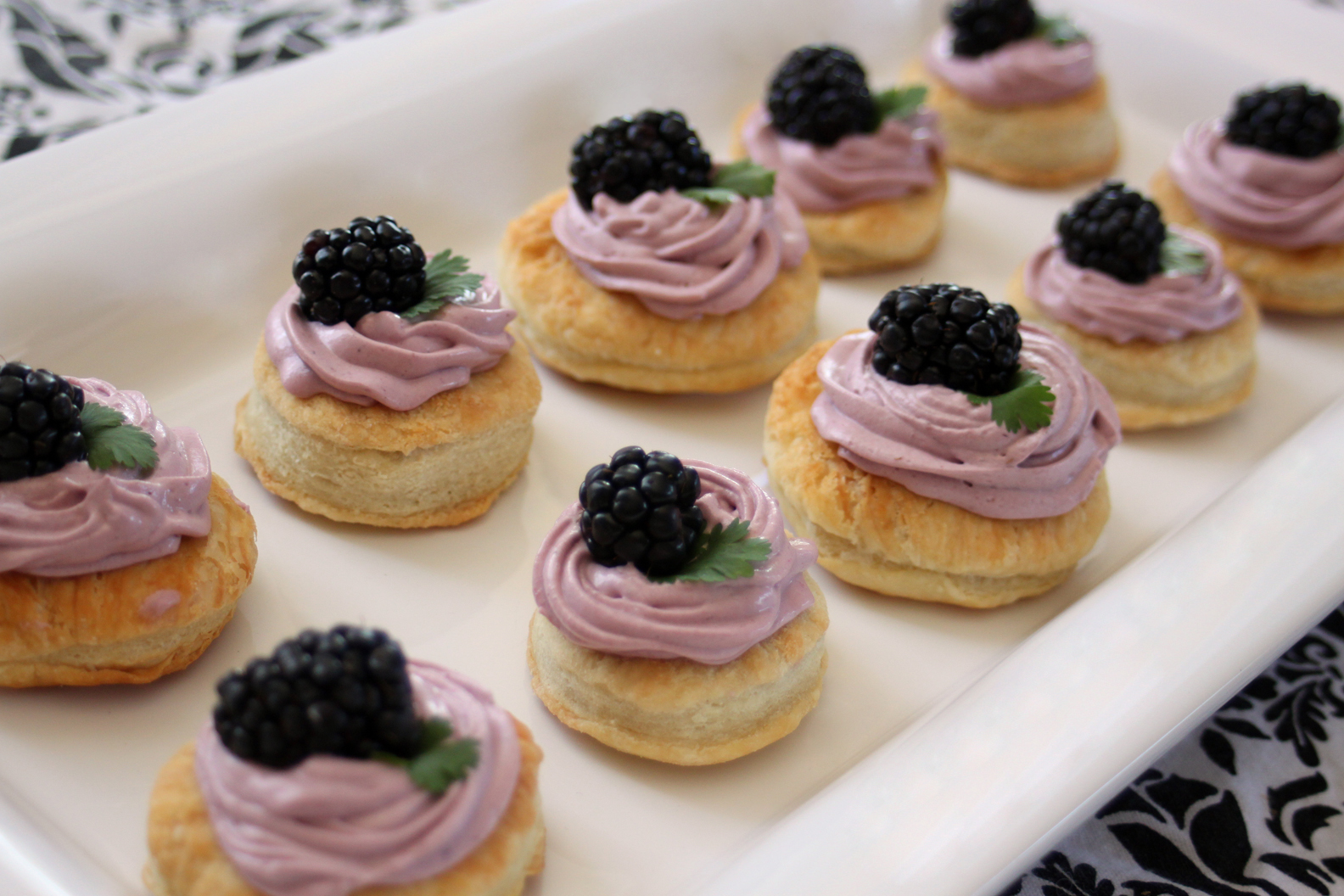 Hoopfinity's Happenings: White Chocolate Blackberry Mousse Tartlets