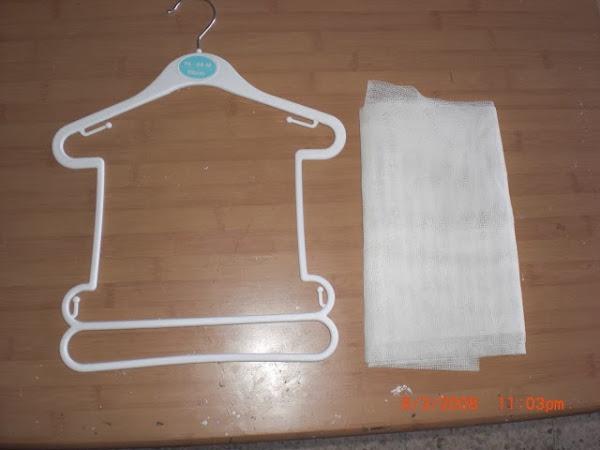 Ropa reciclada aprender manualidades es - Perchas para bebes ...