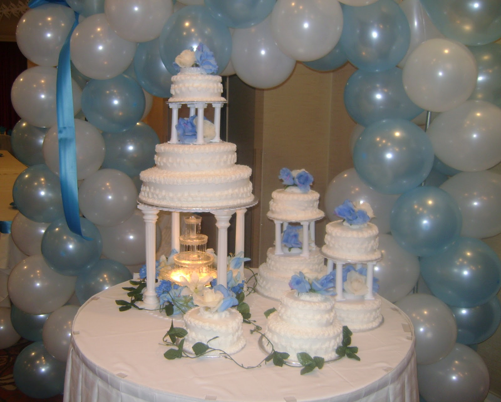 Marilyn s Caribbean Cakes Tiered wedding cake with