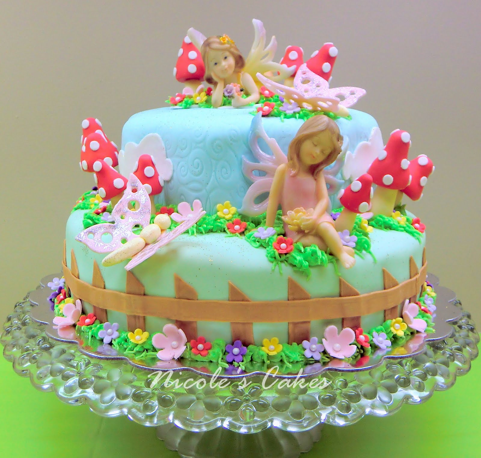 Garden Party Cake Images : On Birthday Cakes: A Fairy Garden Cake!