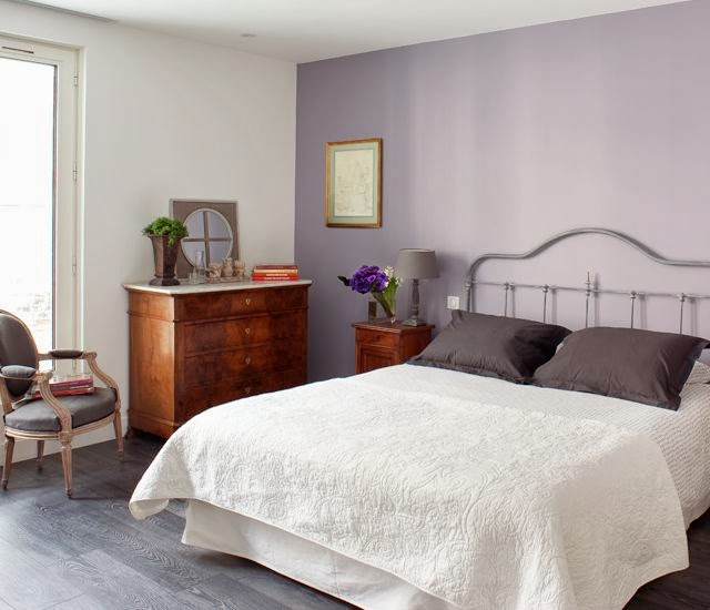http://www.petiteparis.com.au/502_Claire_Eugene_Bed_%26_Breakfast_Accommodation_in_Paris.html
