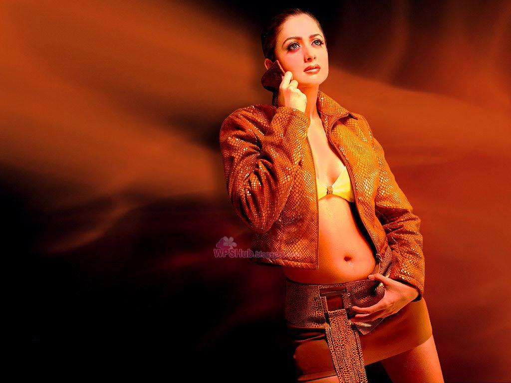 Trends Fashion 2013 Latest Photoshoot Of Bollywood