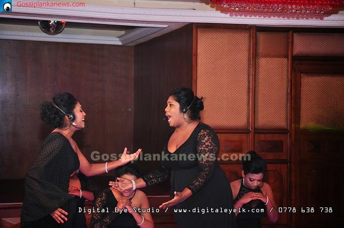 "Nirosha virajini's ""beats of hearts"" 2014 concert"