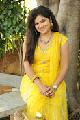 New Actress Noorjahan Photos in Yellow-thumbnail-5