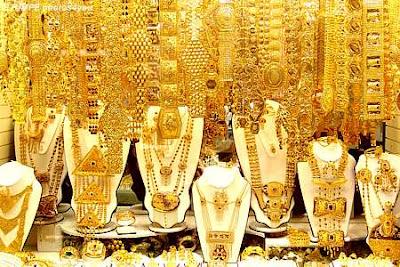 http://2.bp.blogspot.com/-BT2XO8Ch_c8/TiXn6CgS35I/AAAAAAAAKgQ/SHzh3-Nl8xQ/s1600/gold%2Bjewelry%2Bstores-3.jpg