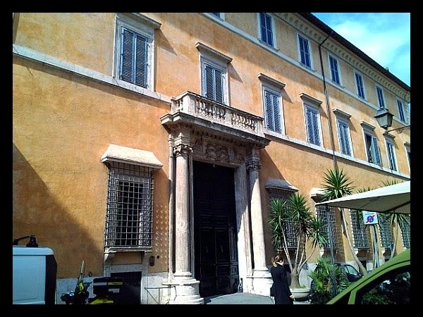 Palazzo Lancellotti od strony Piazza S. Simeone