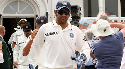 Dhoni-and-team