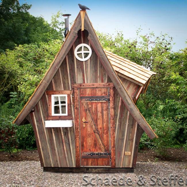 Initiales gg des maisons f riques chez casa kaiensis for Petit cabanon jardin
