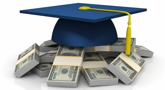 Tips for Student to stay Debt free