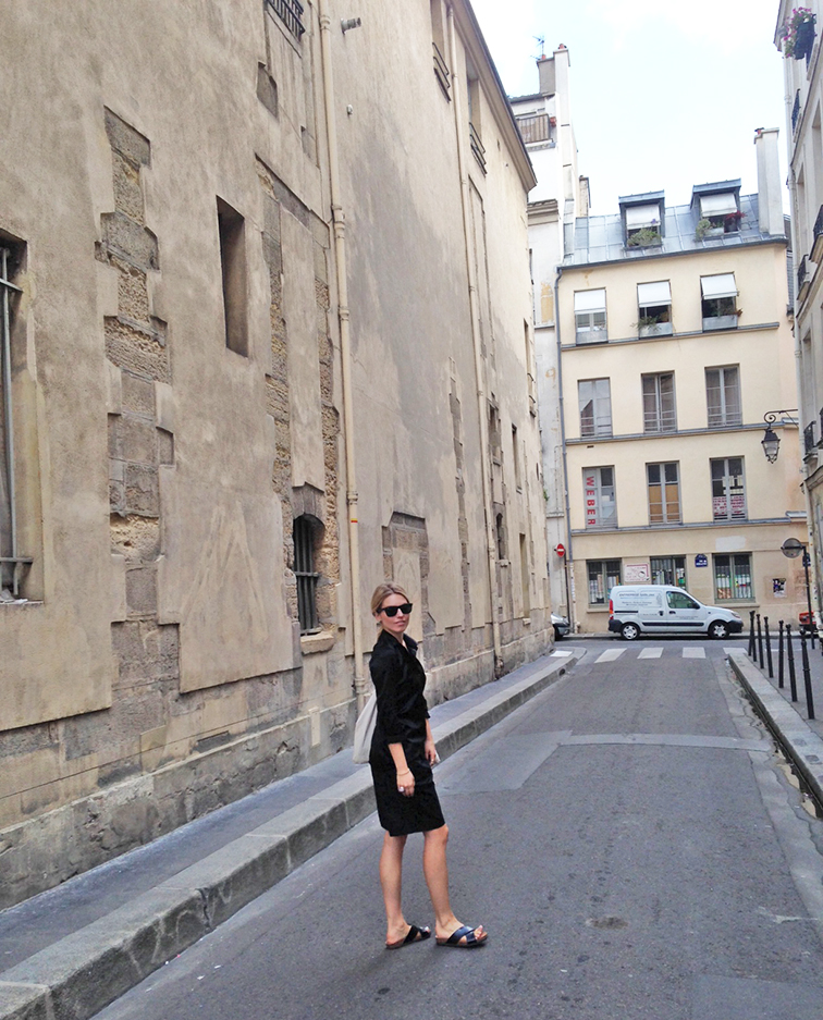Fashion Over Reason in Paris, all black look, old Marais street, what I wore, summer style