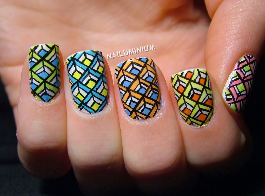 Nailuminium: Geometric Diamonds #2: Skittles (+tutorial)