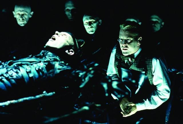 Thành Phố Đêm Tối, Dark City