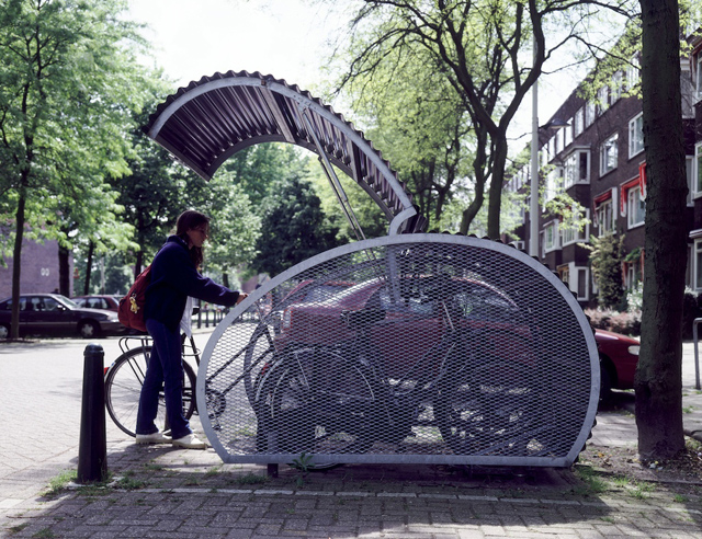 Estacionamento evita roubos de bicicletas
