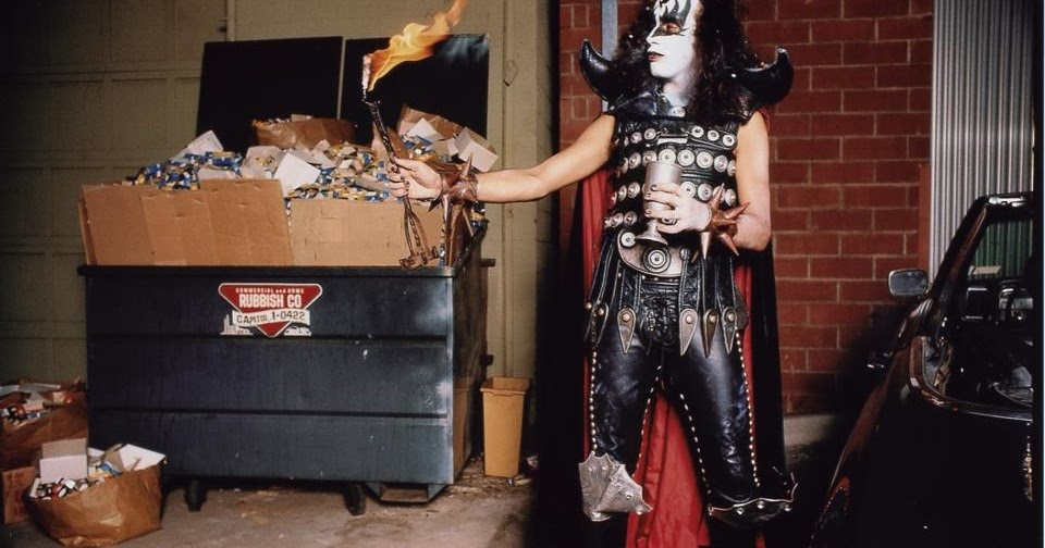 center>Unpublished Gene Simmons Photo From 'Hotter Than Hell ' Era</center