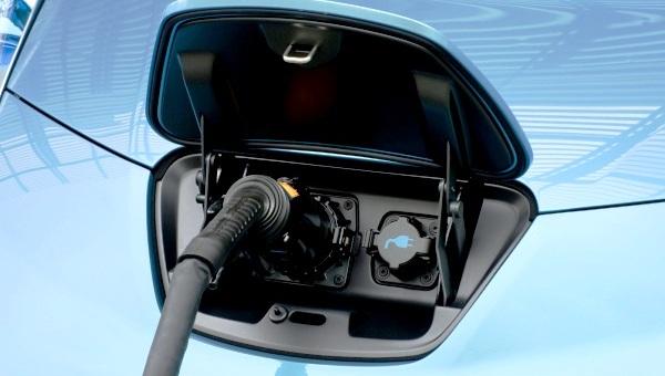 Mobils Listrik. Majalah Otomotif Online