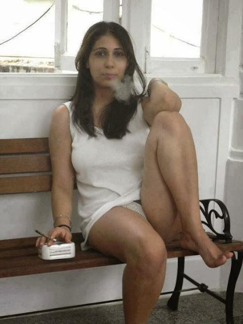 nude Jewish wife