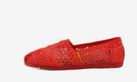 http://www.dressale.com/ultragraceful-lace-shoe-with-fabulous-motifs-p-61281.html