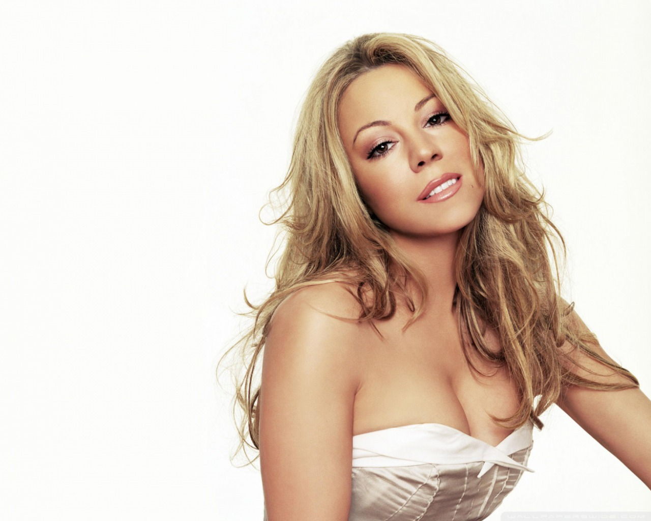 http://2.bp.blogspot.com/-BUeJGJqfnGQ/UPlLTwOMJZI/AAAAAAAACaE/QKUEVBAO8sM/s1600/Celebrity+HD+HairStyle+Wallpapers+8.jpg