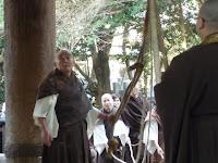 僧侶は大梵鐘をみつめる!