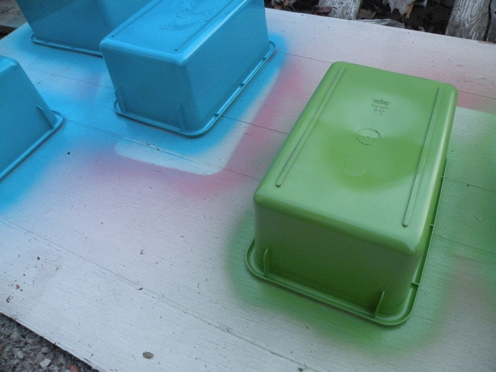 First grade fever by christie quick n easy storage bin for Spray paint makeovers