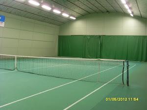 Tennisopetusta tilauksesta Nokian eri tenniskentillä