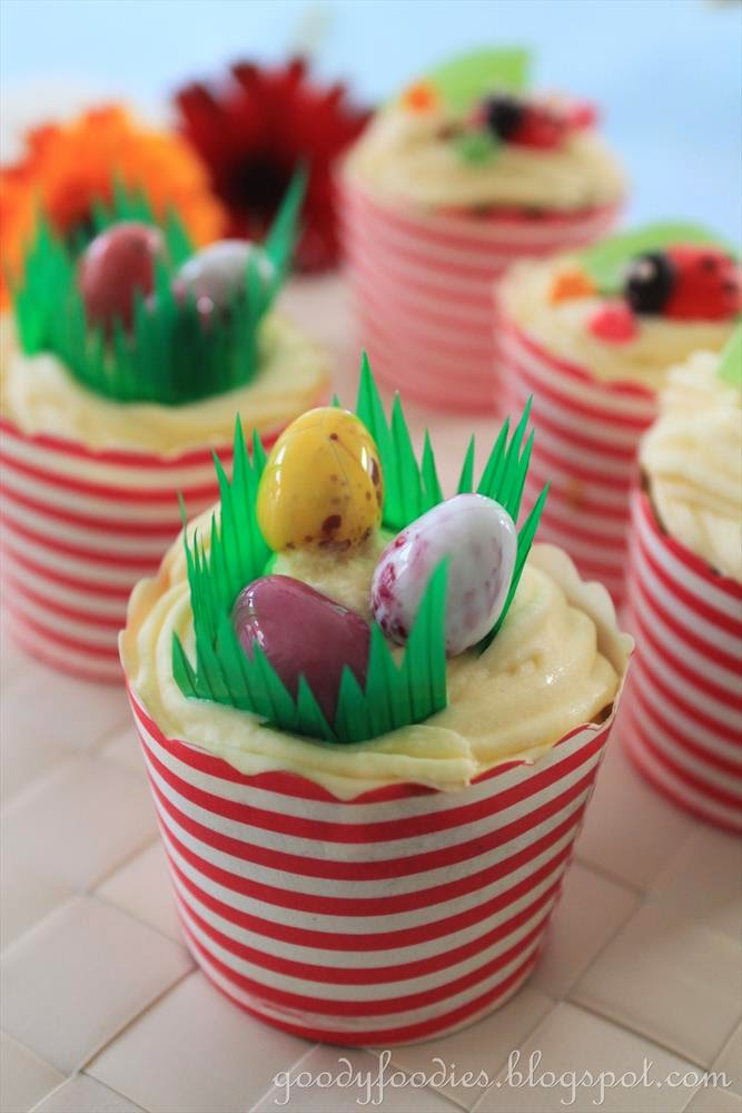 Mini Chocolate Cupcakes With Multicolored Frosting Recipe ...