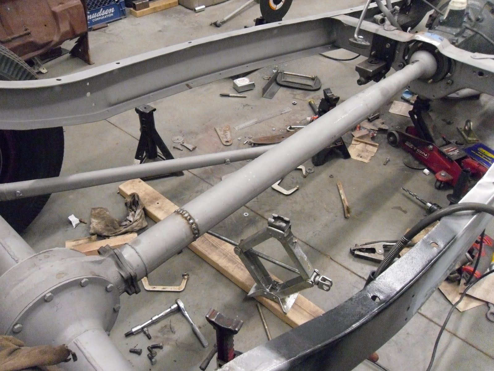 32 Ford Banjo Rear End : So you want to build a ford roadster shortening