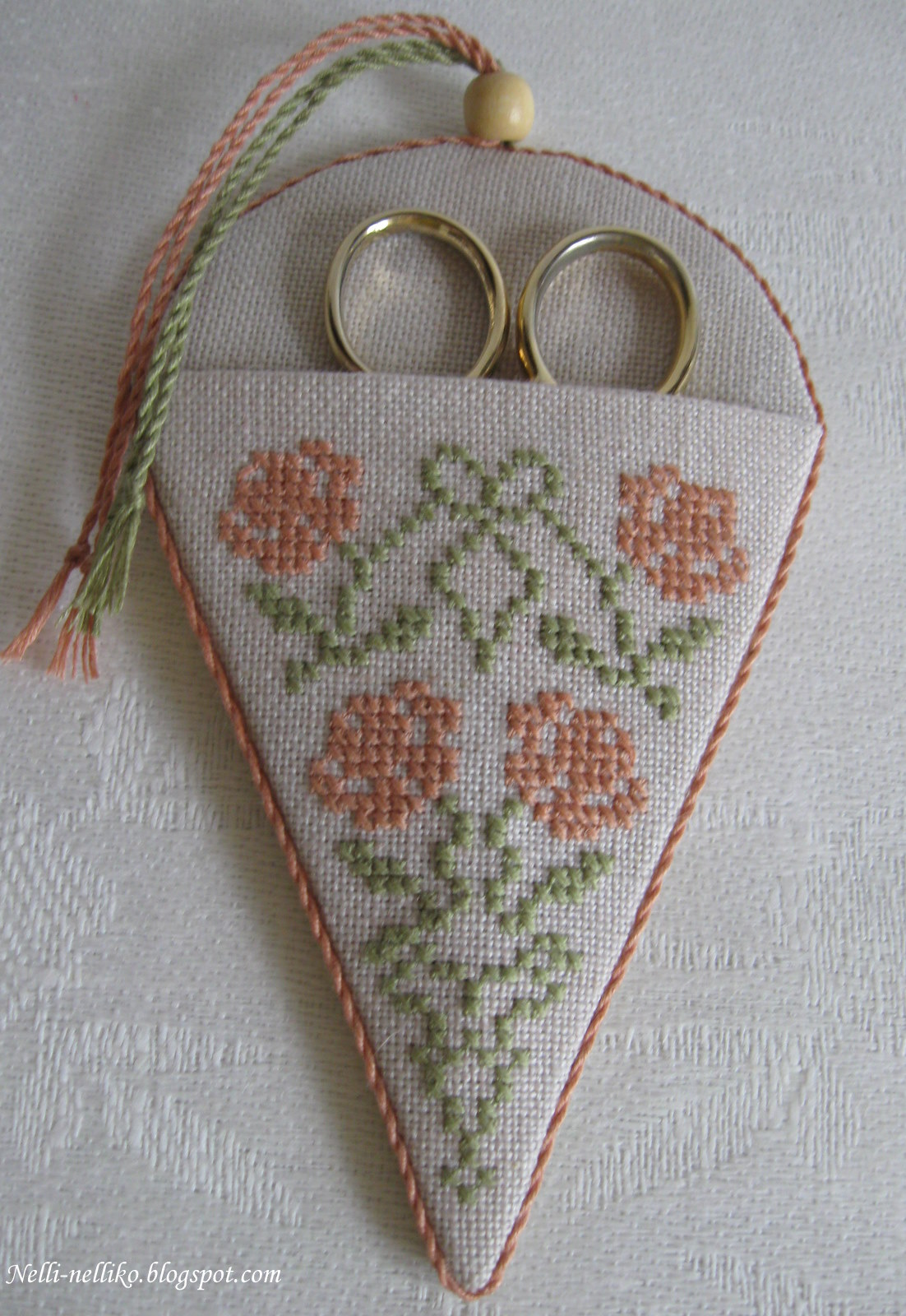 Вышивка крестом чехол для ножниц и очков 33