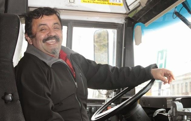 Como saludar al chofer del bus?