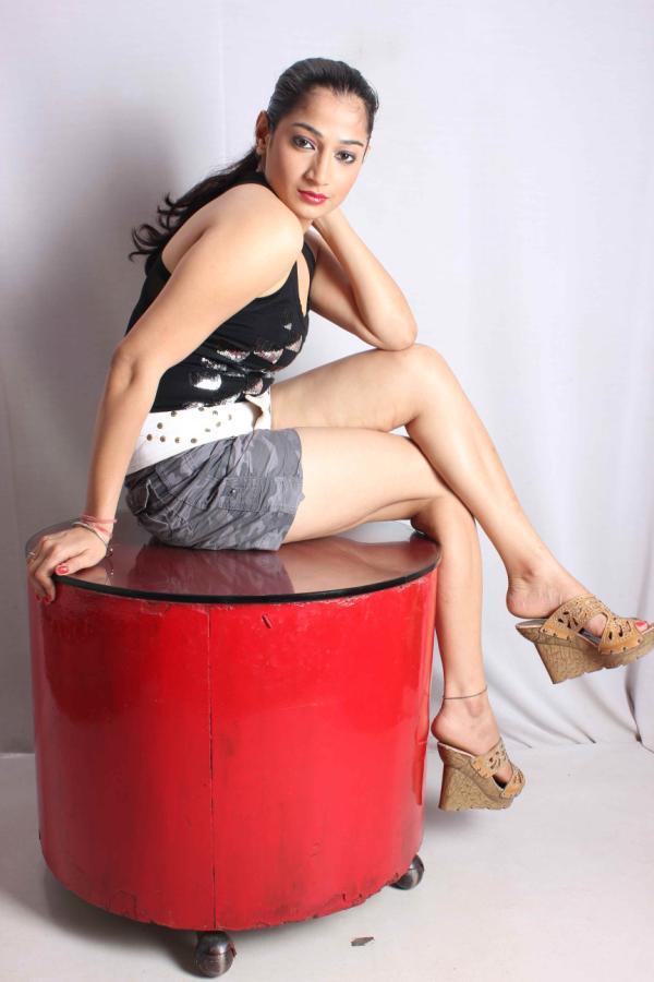 Niharika Sharma hot pics
