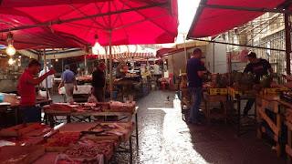 街角の市場
