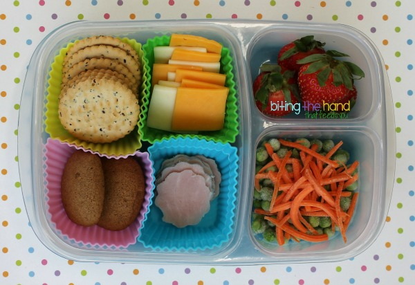 MOMables Cracker Stackers - A Healthier DIY Alternative to Lunchables!