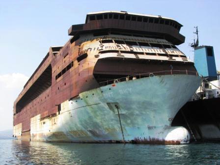 Scrapped Cruise Ships | Fitbudha.com