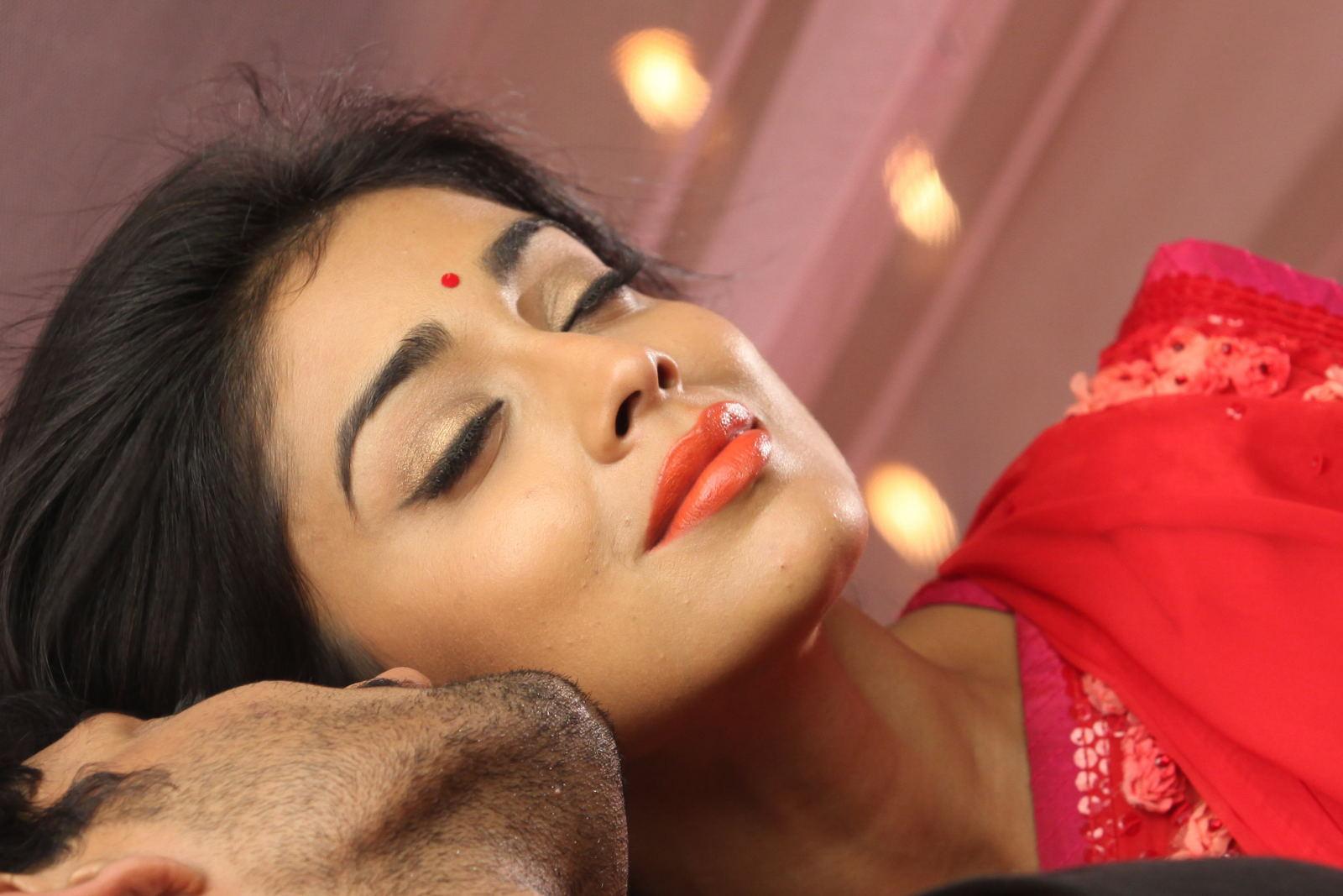 Glorious and elegant Shriya saran in ethnic designer saree collection