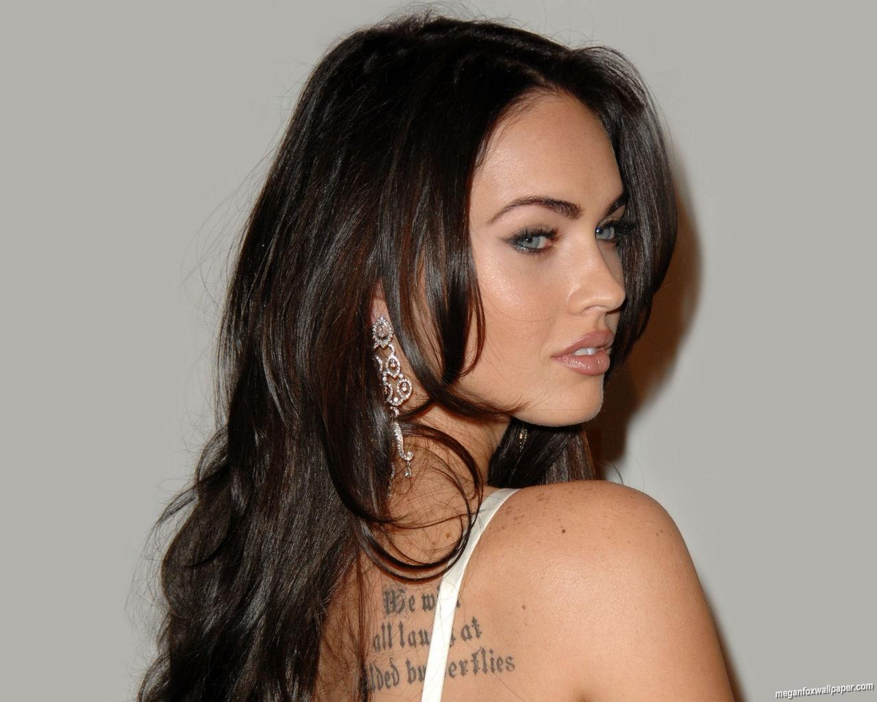 http://2.bp.blogspot.com/-BWVzbHihW6w/Ta9yotCqVdI/AAAAAAAAA-M/g5LT7dM2H0Y/s1600/Megan_fox_wallpaper_Tattoo.jpg