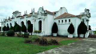 Prédio que envolve casa de San Martín, em Yapeyú.