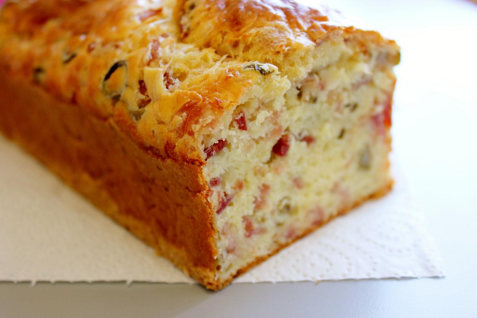 sauvignon blog cake sal e au jambon et aux olives