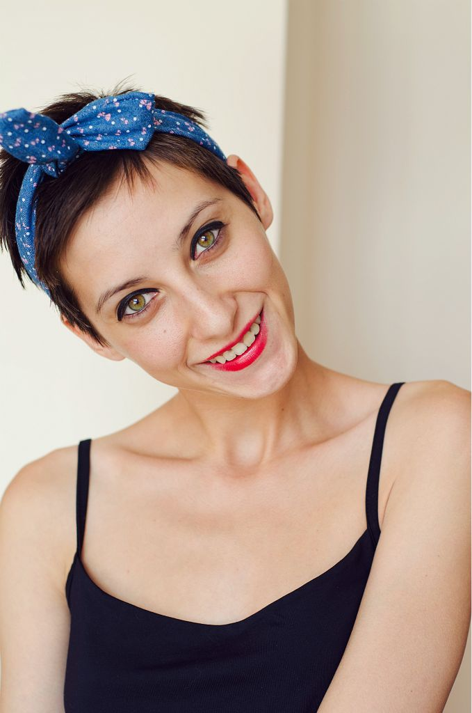 How to style the pixie haircut beauty in insanity basically you can use a scarf headband or any kind of fabric lying around the floor just make sure to dust it off actually this kind of styling is magic winobraniefo Image collections