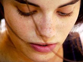 obat alami menghilangkan flek pada wajah,cara alami memutihkan wajah, tips kecantikan wanita