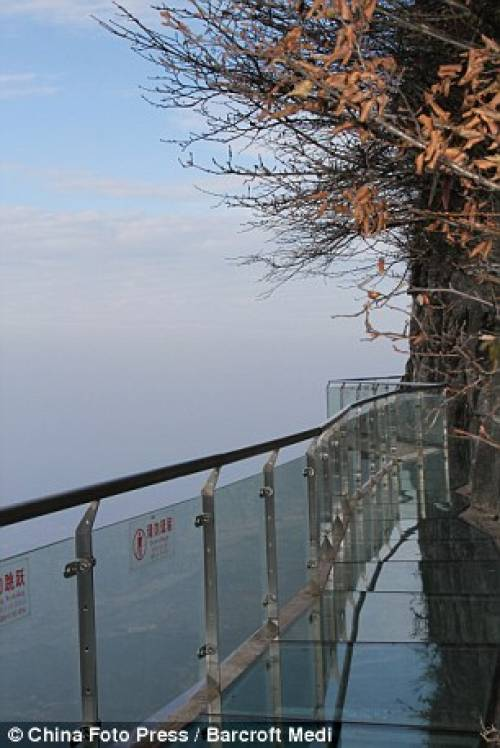 Glass path 4000 ft above