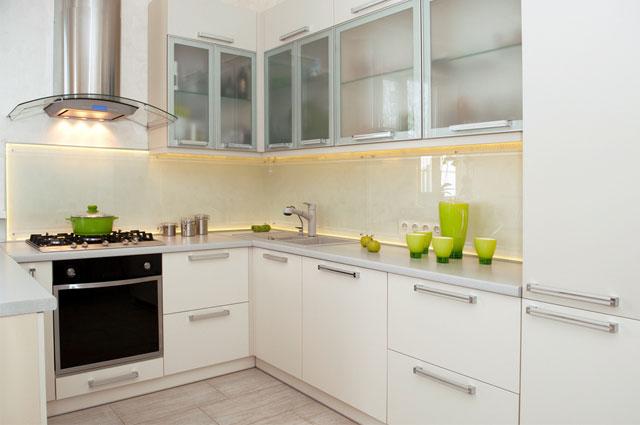Baiti habibati pathner dapur yang bisa membuat jatuh for Kitchen set kompor tanam