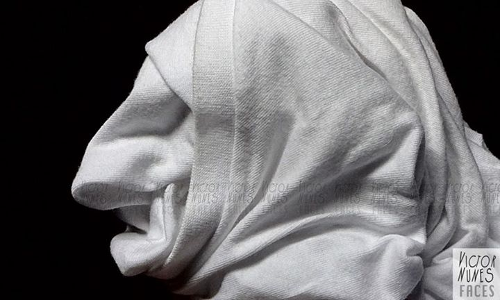05-Towel-Expressions-Victor-Nunes-The-Art-of-Making-and-Drawing-Faces-using-Everything-www-designstack-co